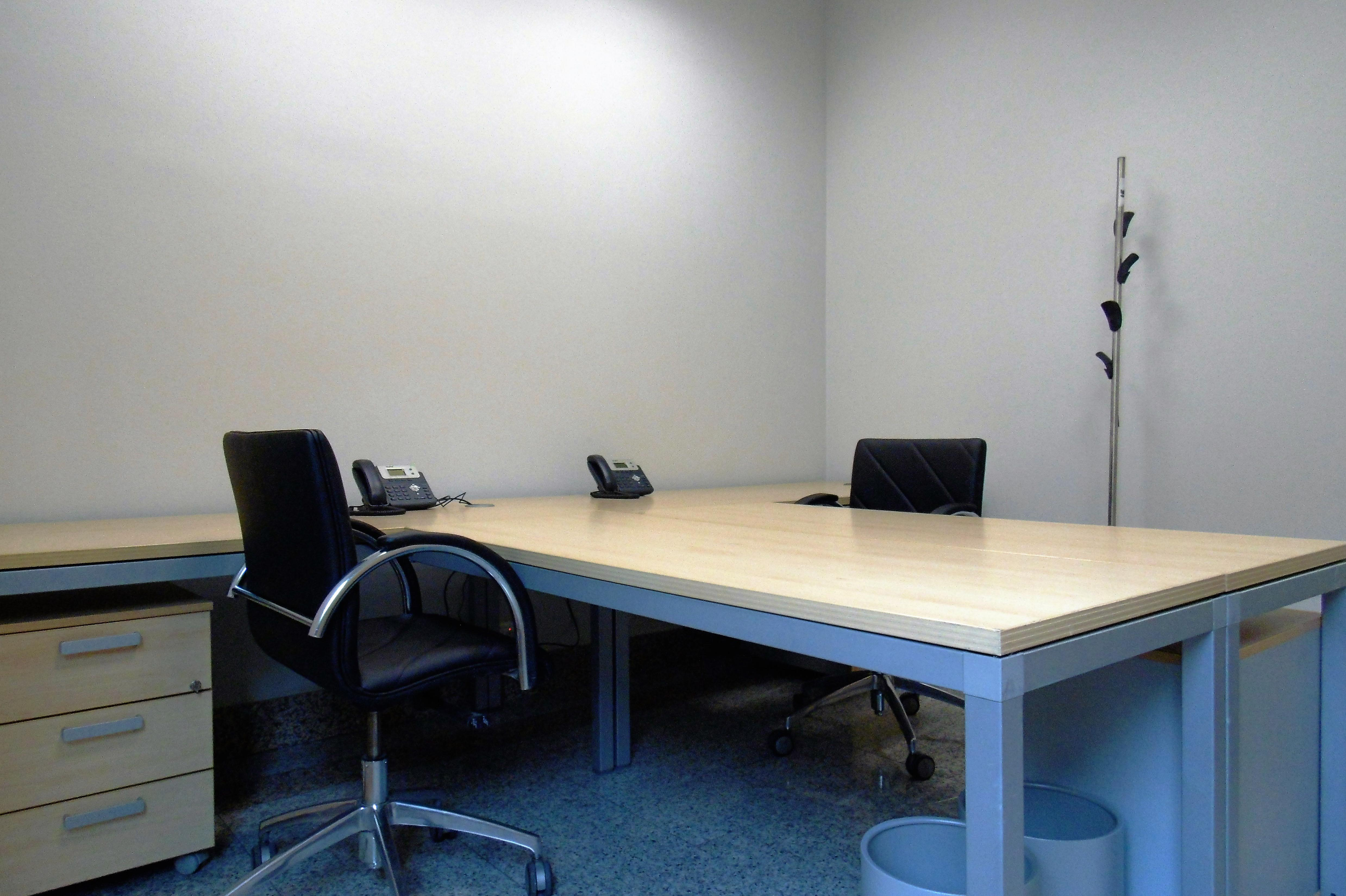 oficina-coworking-puerta-de-toledo-despacho-3