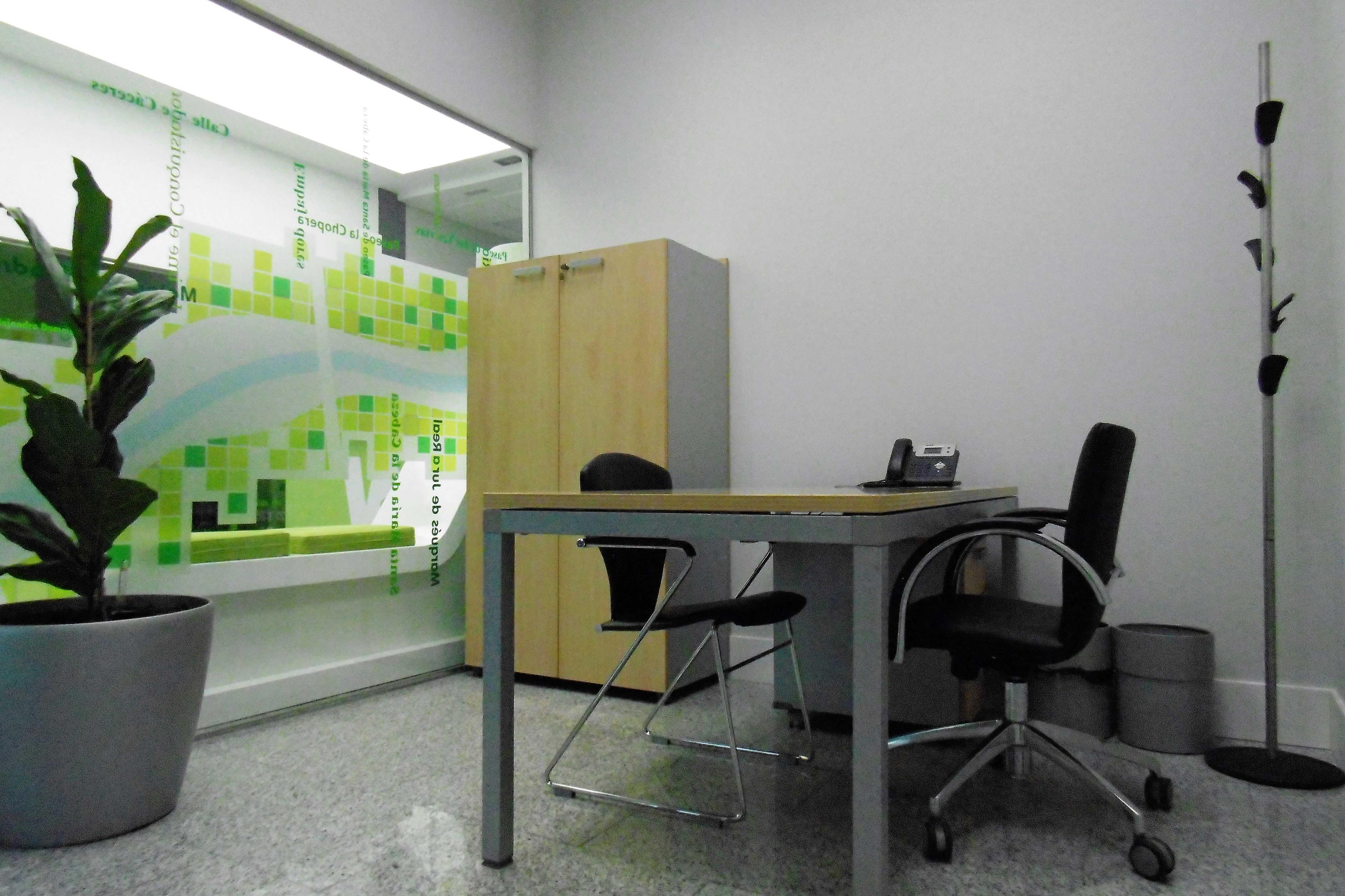 oficina-coworking-puerta-de-toledo-despacho-4